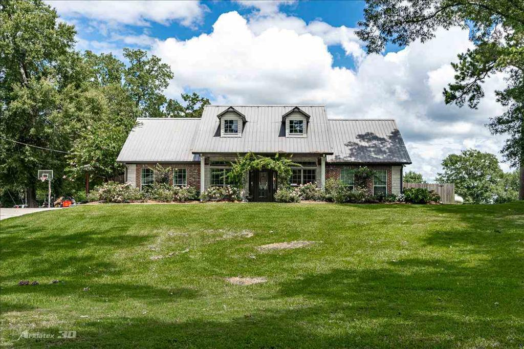 Photo of home for sale at 101 County Rd 4035, Carthage TX