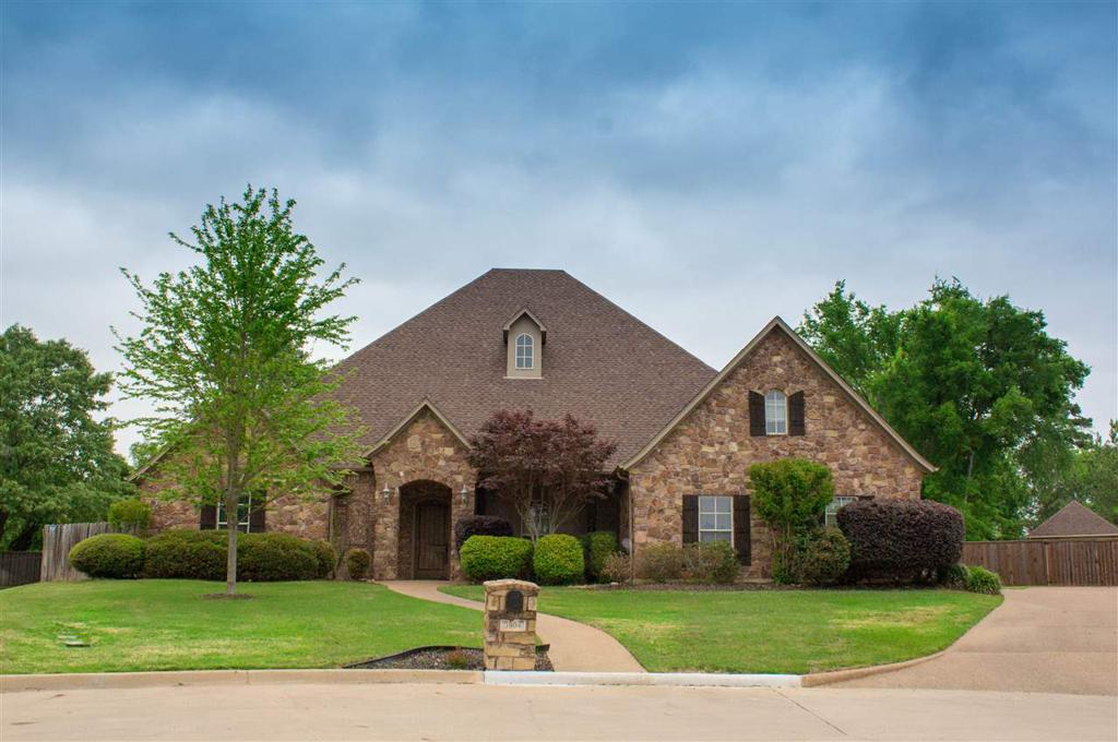 Photo of home for sale at 3904 Chase Creek, Longview TX