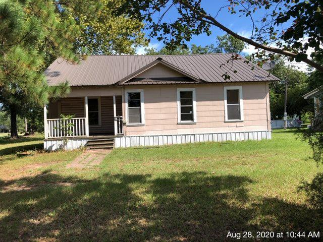 Photo of home for sale at 335 Colorado st, Avery TX