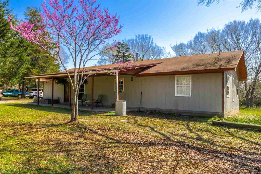 Photo of home for sale at 5797 Aspen Trail, Gilmer TX