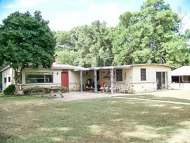 Photo of home for sale at 2716 FIVE NOTCH ROAD, Marshall TX