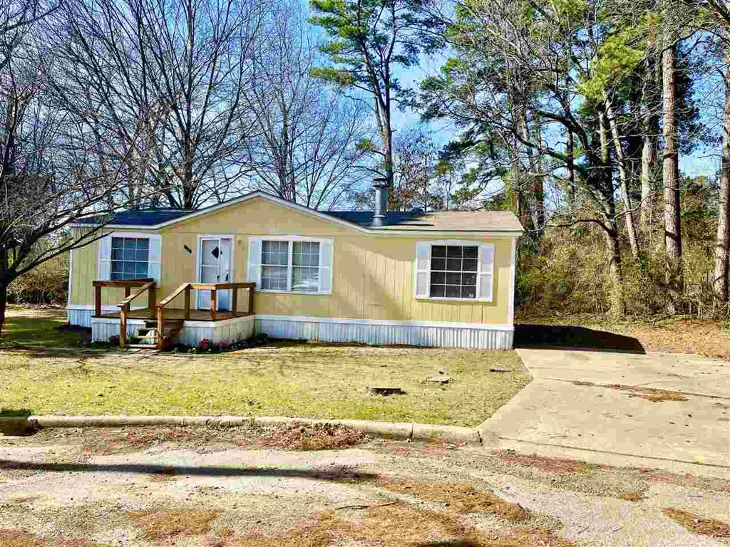 Photo of home for sale at 4317 PATTON DR., Longview TX