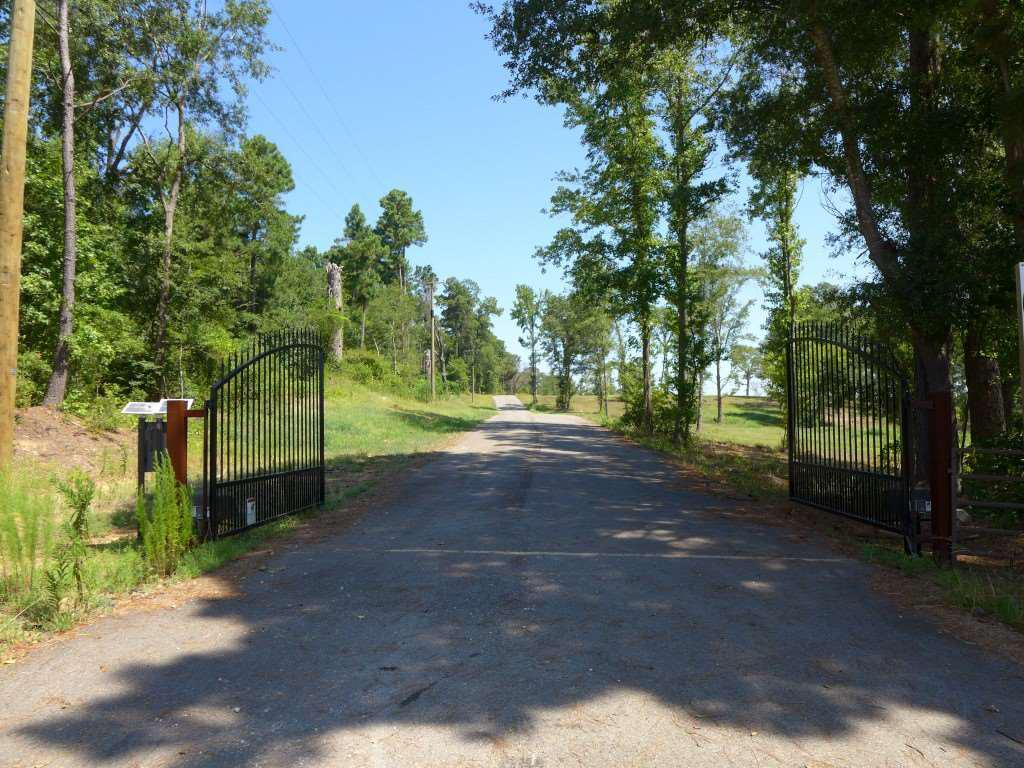 Photo of home for sale at TBD Lot 12 Mustang Drive, Longview TX