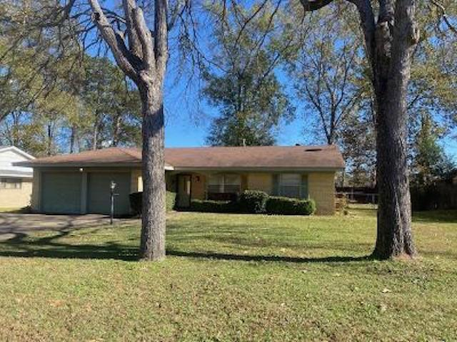 Photo of home for sale at 2510 Redbud, Kilgore TX