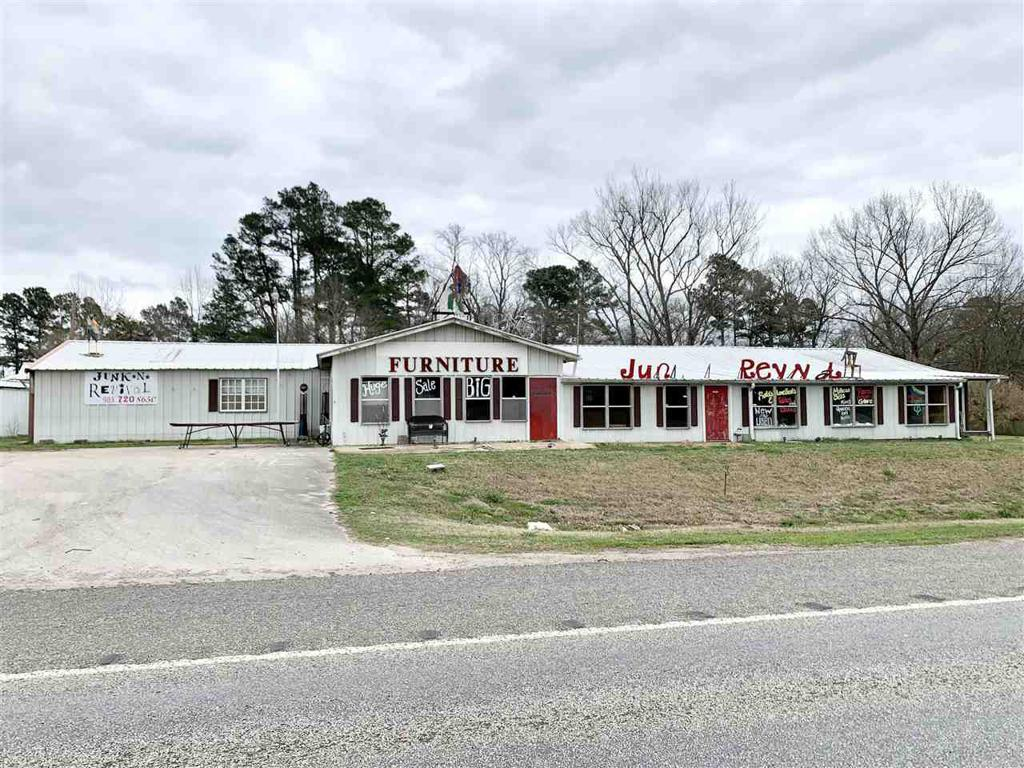 Photo of home for sale at 2668 US HWY 259 N, Diana TX