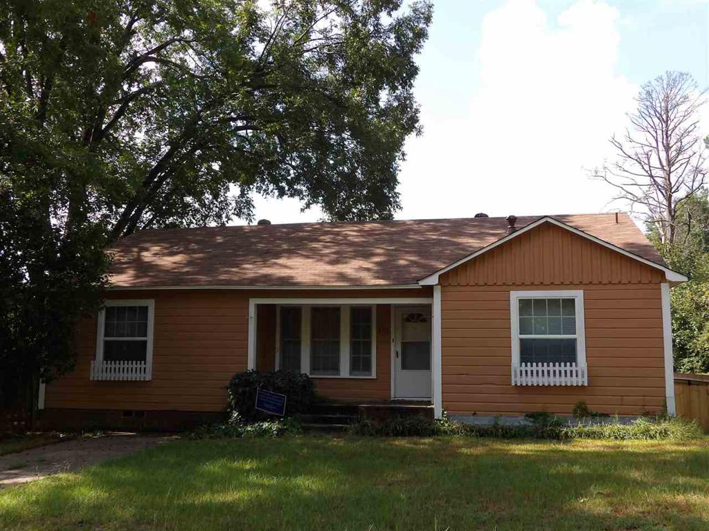 Photo of home for sale at 306 Madison, Overton TX