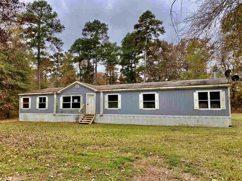 Photo of home for sale at 16523 FM 31, Marshall TX