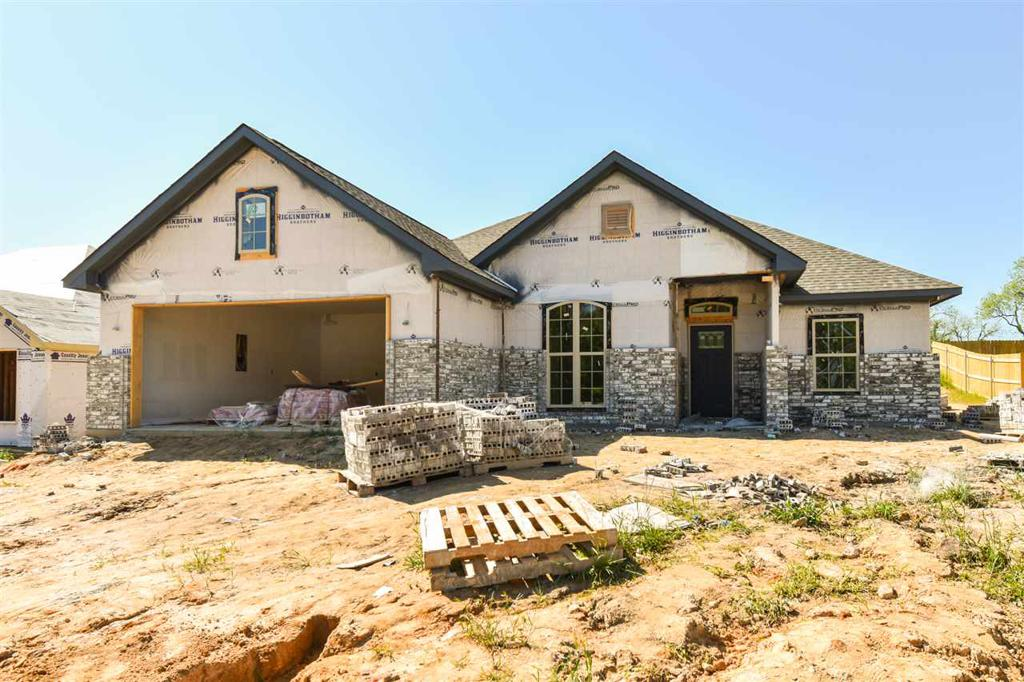 Photo of home for sale at 104 Hay Meadows, Winona TX