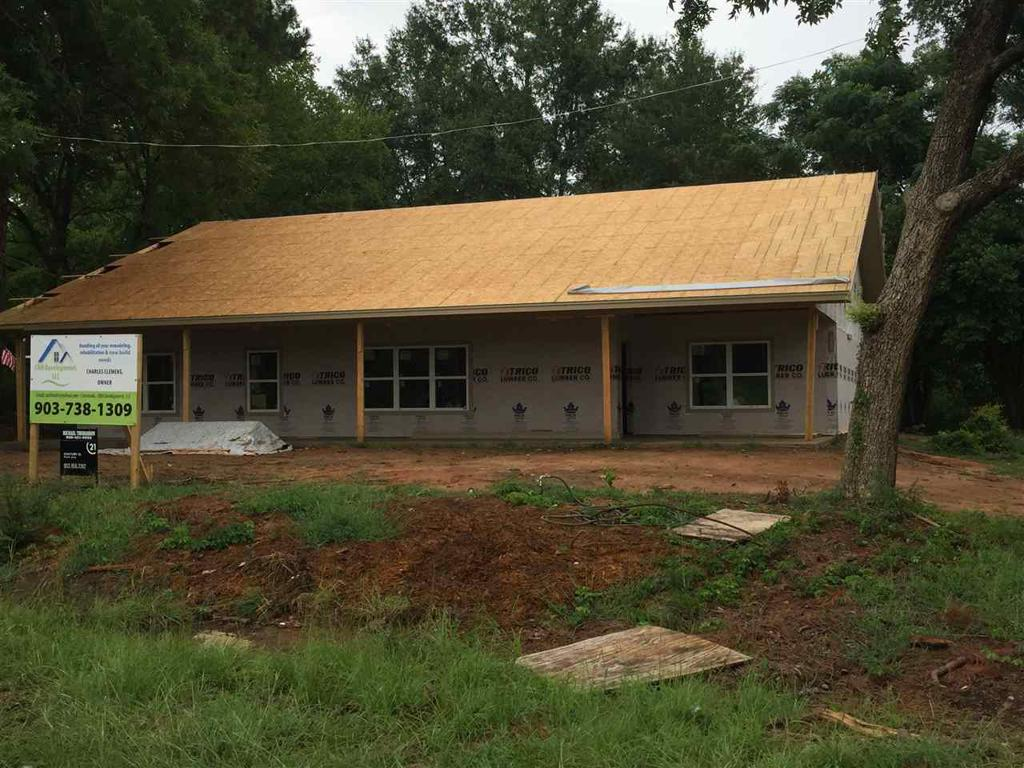 Photo of home for sale at 413 State, Daingerfield TX
