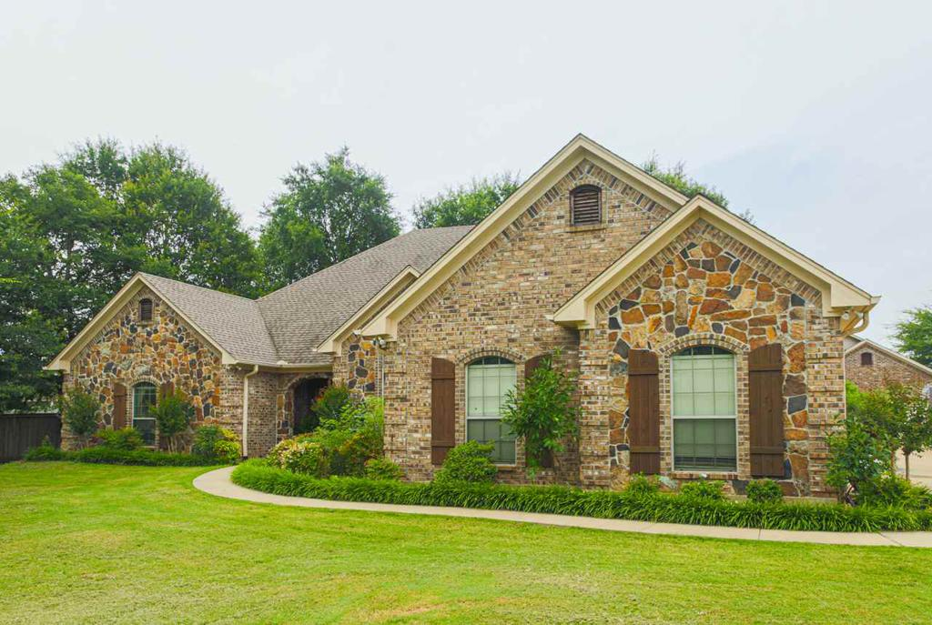 Photo of home for sale at 12151 Copper Ct, Tyler TX