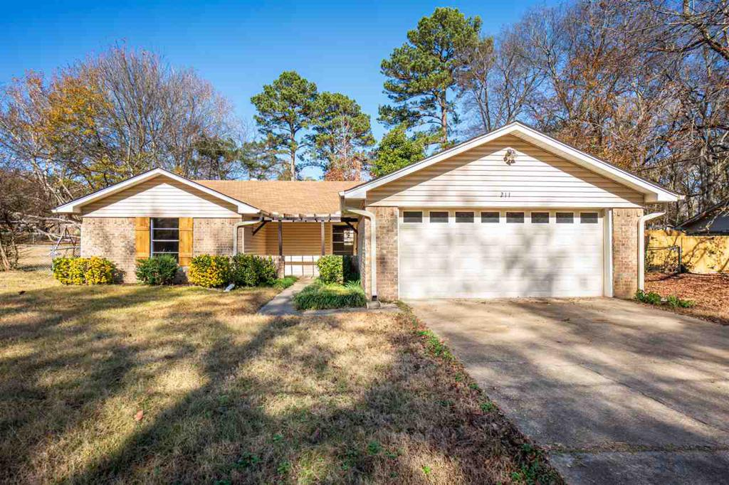 Photo of home for sale at 211 Irving St., Longview TX
