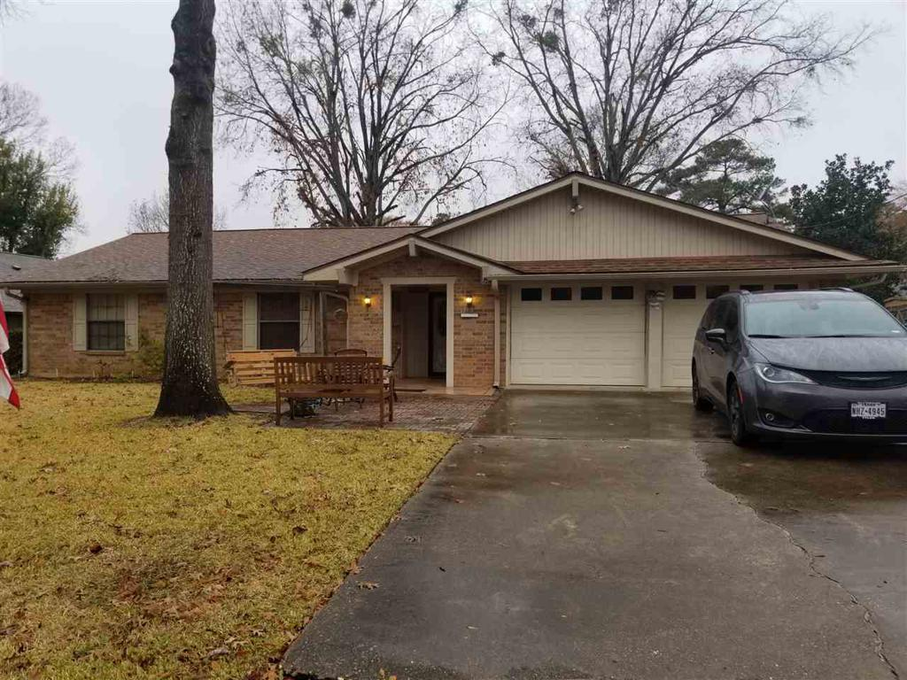 Photo of home for sale at 3311 Stonehave Court, Kilgore TX