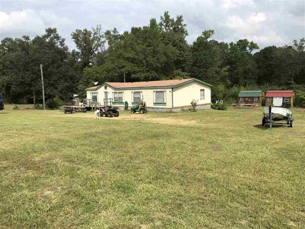 Photo of home for sale at 171 Black Jack Road, Gilmer TX