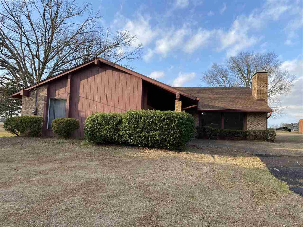 Photo of home for sale at 6377 Pinewood, Gilmer TX