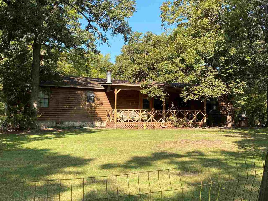 Photo of home for sale at 1130 FIRST RD., Diana TX