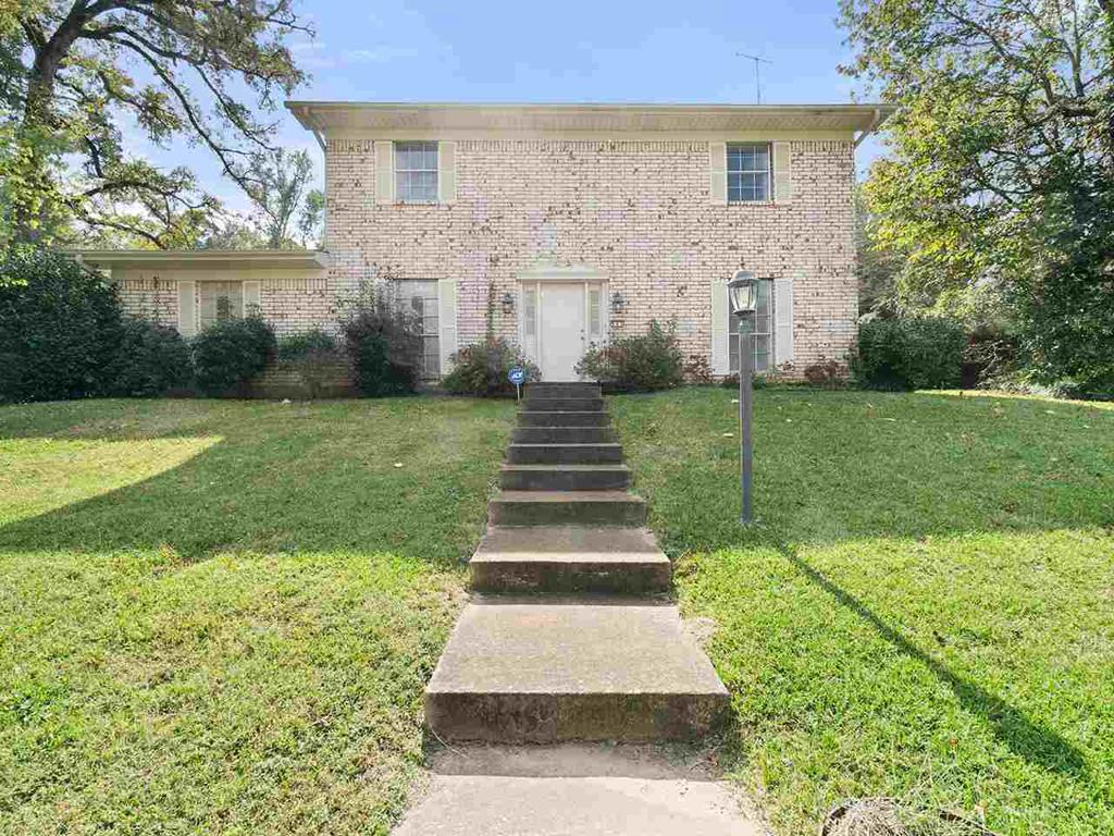 Photo of home for sale at 901 Ruby, Gilmer TX