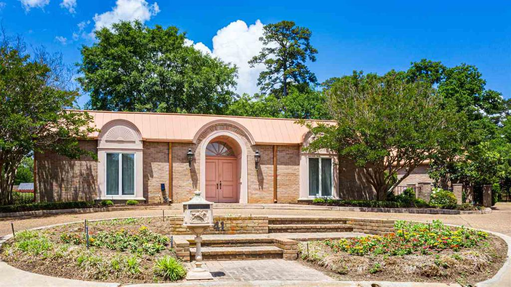 Photo of home for sale at 41 RIM RD., Kilgore TX