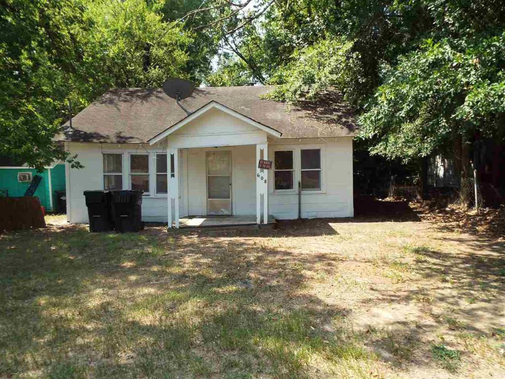 Photo of home for sale at 608 Level, Longview TX