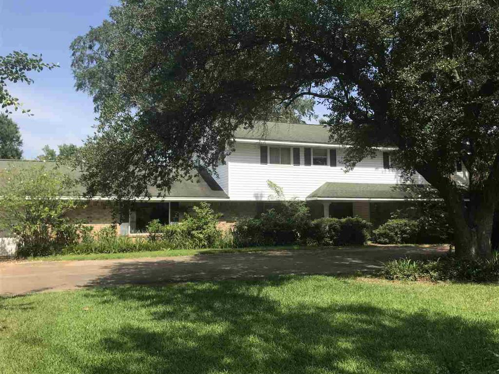 Photo of home for sale at 1107 Main, Henderson TX