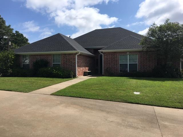 Photo of home for sale at 718 Hollybrook Dr., Longview TX