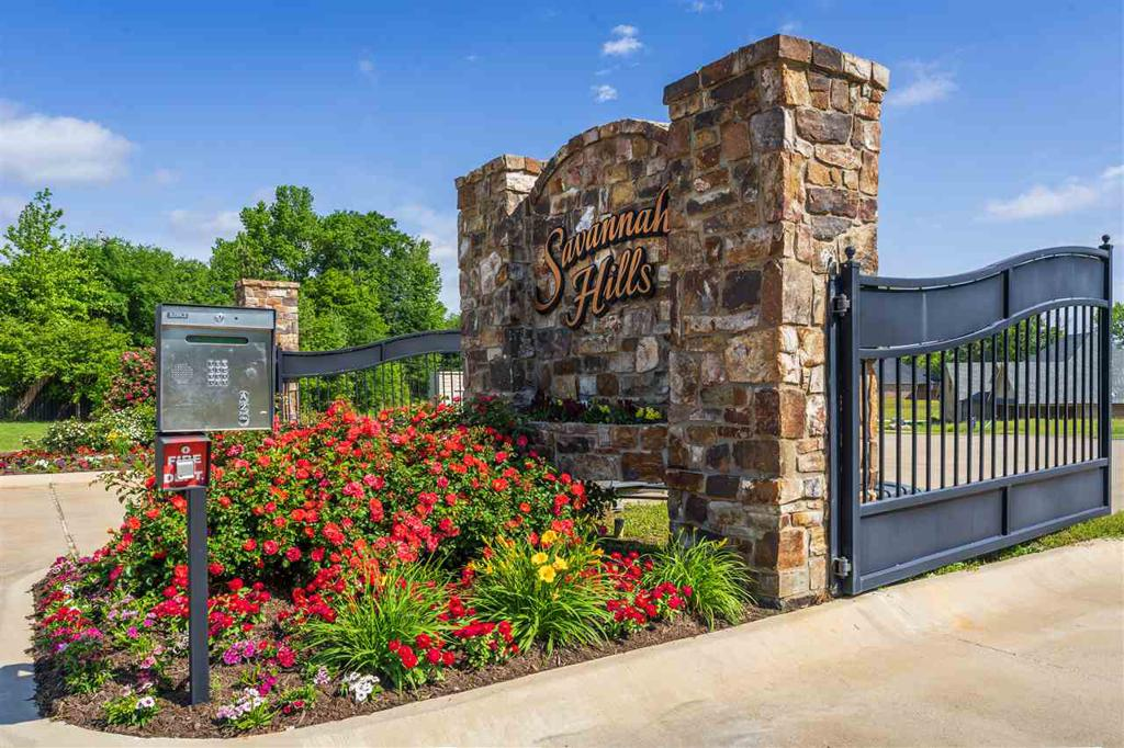 Photo of home for sale at SAVANNAH HILLS, Longview TX