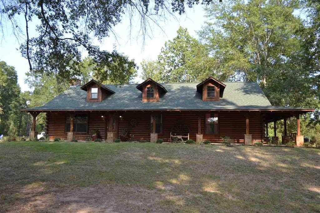 Photo of home for sale at 614 CR 336, Deberry TX