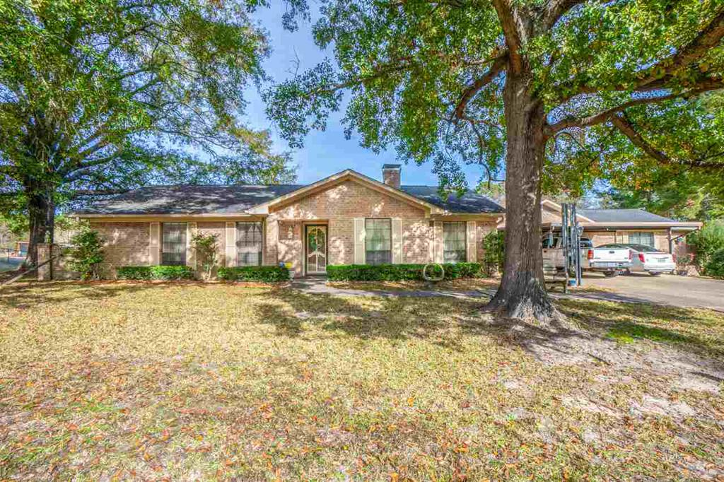 Photo of home for sale at 467 Hillcrest, Kilgore TX