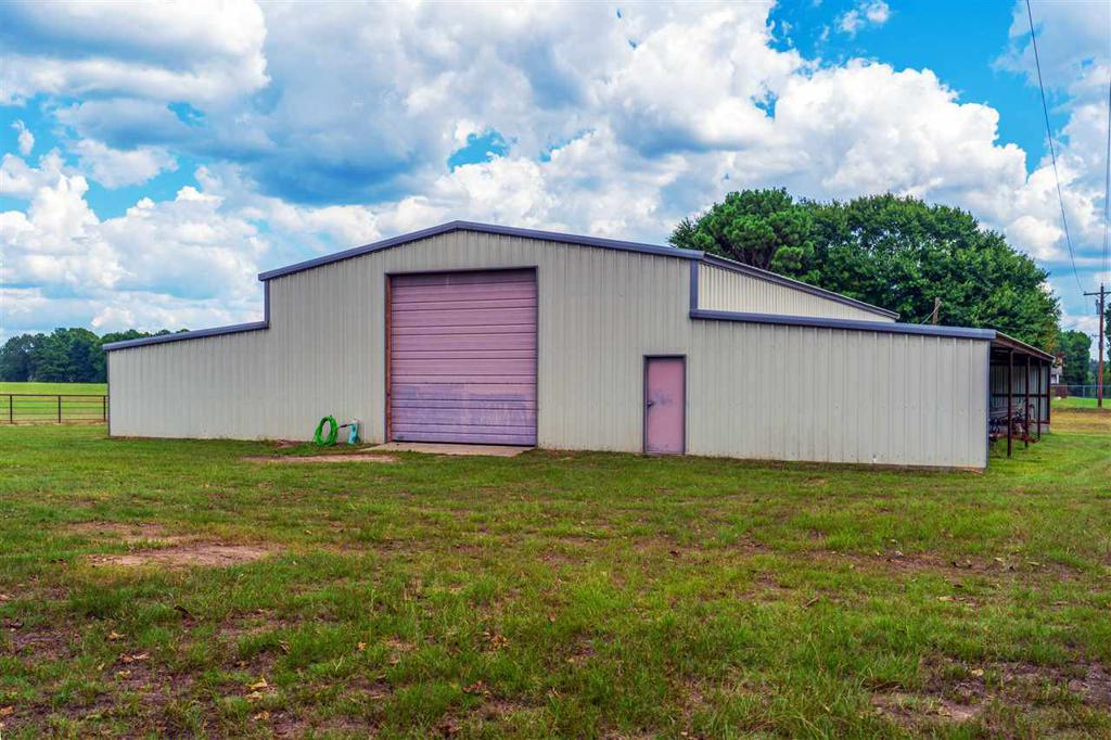 Photo of home for sale at 1540 Poplar, Gilmer TX