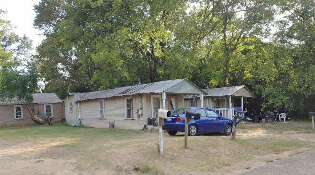 Photo of home for sale at 216 Brown St, Longview TX