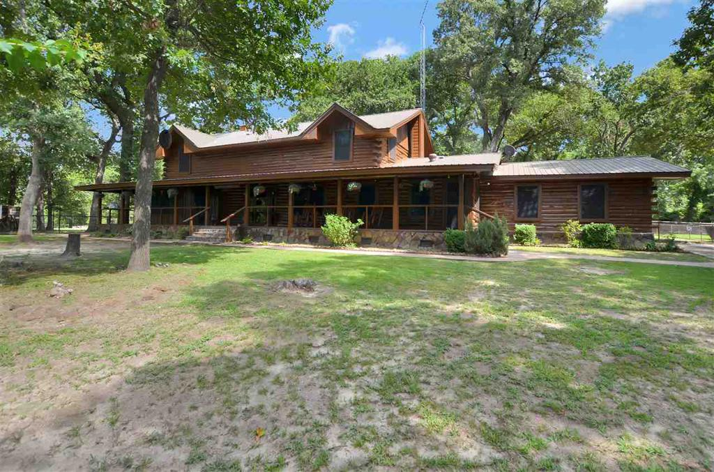 Photo of home for sale at 15555 CR 1227, Flint TX