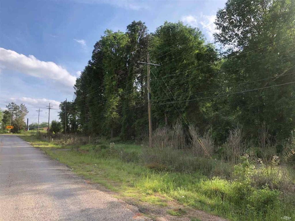 Photo of home for sale at 0 Beth Ann Dr, Marshall TX
