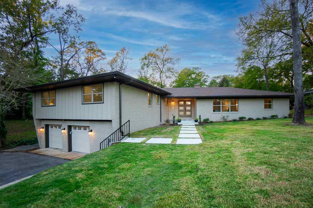 Photo of home for sale at 707 Tullie Dr., Longview TX