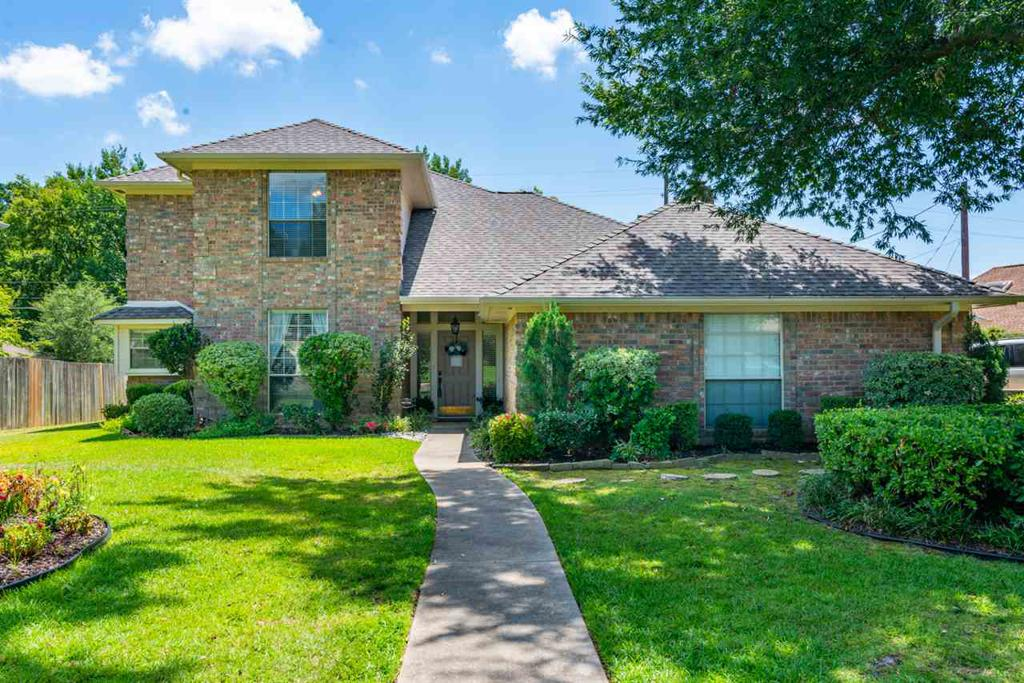 Photo of home for sale at 1306 Enchanted Ln, Longview TX