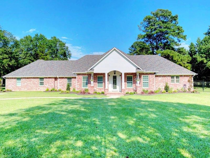 Photo of home for sale at 4810 FM 31 N, De Berry TX