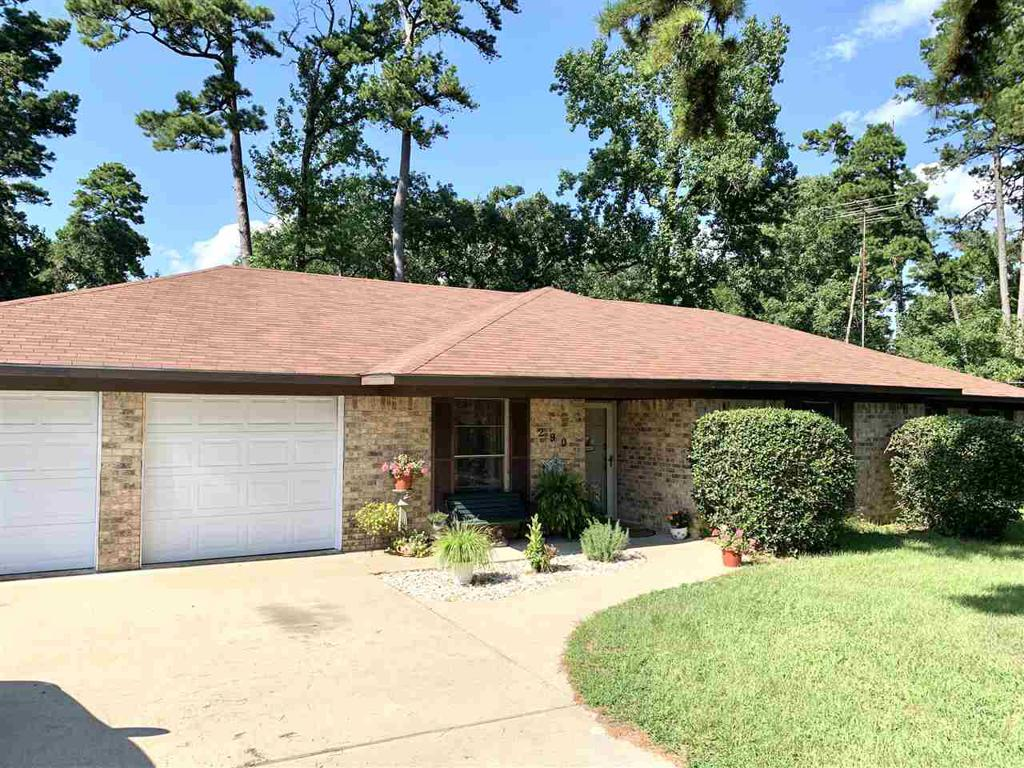 Photo of home for sale at 290 Whirlaway St, Gladewater TX