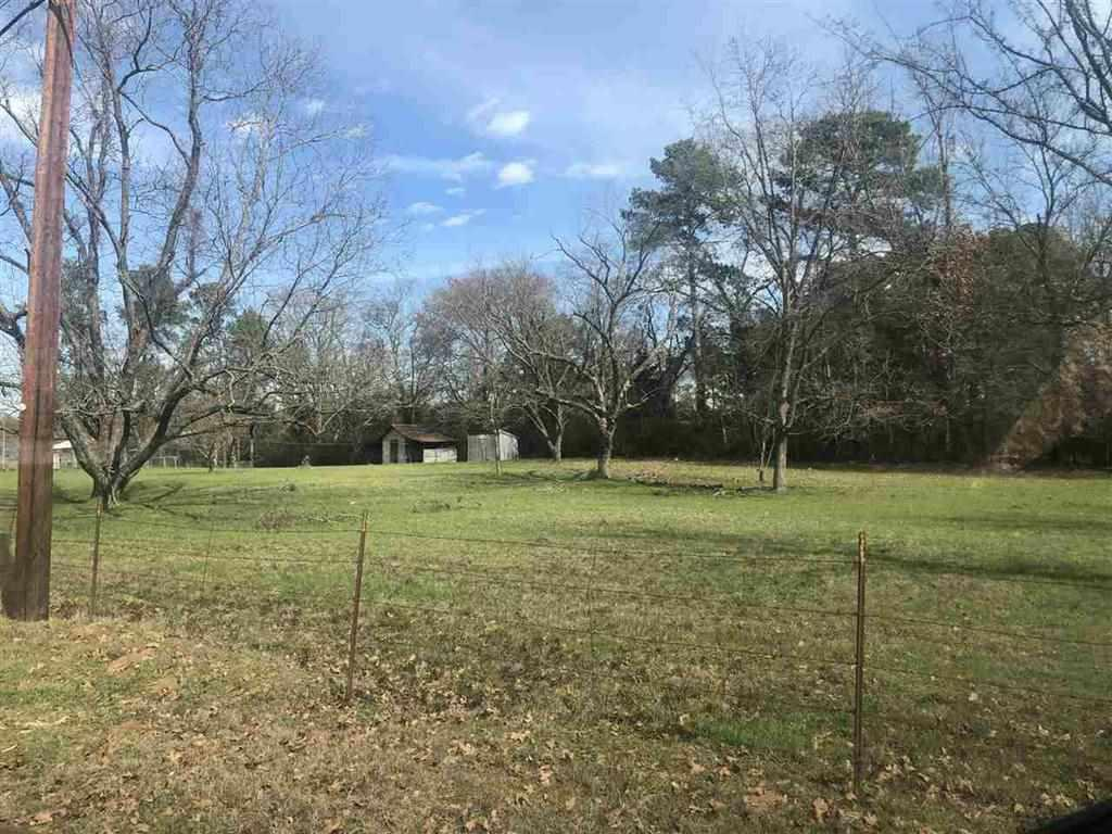 Photo of home for sale at 4350 McCann Rd, Longview TX
