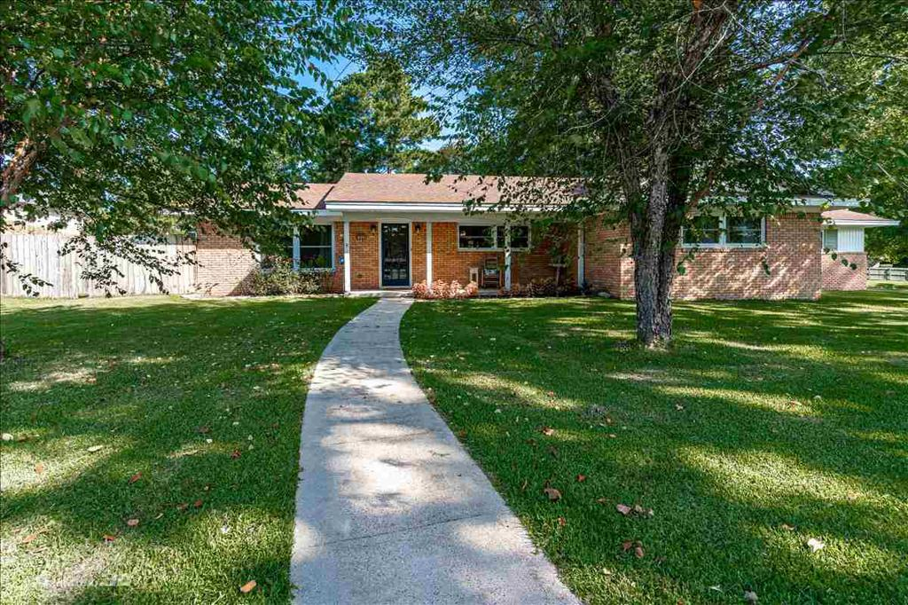 Photo of home for sale at 1446 Sabine ST, Carthage TX