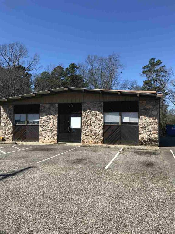 Photo of home for sale at 105 Ward S, Longview TX