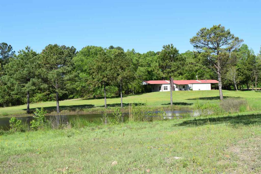 Photo of home for sale at 590 County Road 1457, Linden TX