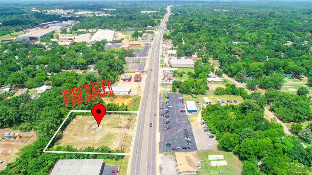 Photo of home for sale at 4200 West Marshall, Longview TX