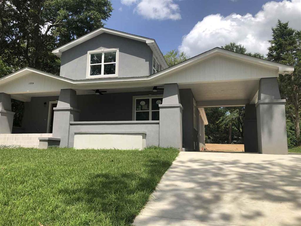 Photo of home for sale at 1004 Washington, Marshall TX