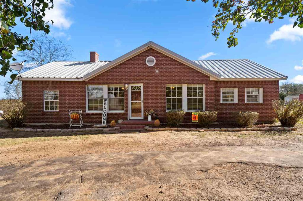 Photo of home for sale at 14838 HWY 144, Omaha TX