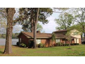 Property for sale at 1622 W Lake Dr., Gladewater,  Texas 75647