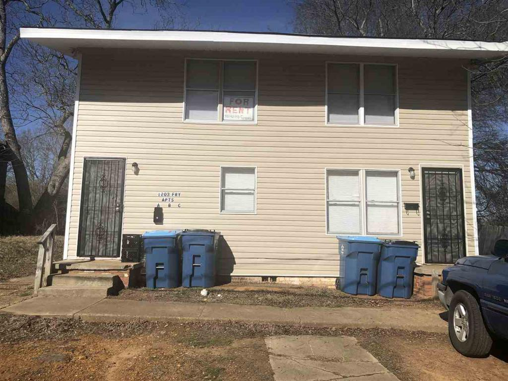 Photo of home for sale at 1203 Fry St, Marshall TX