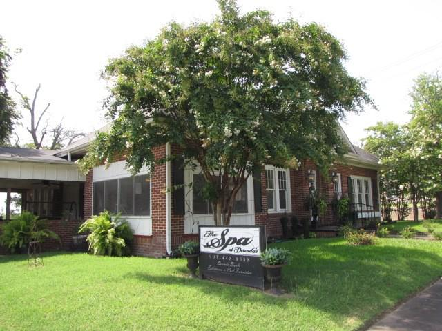 Photo of home for sale at 307 Main, Henderson TX
