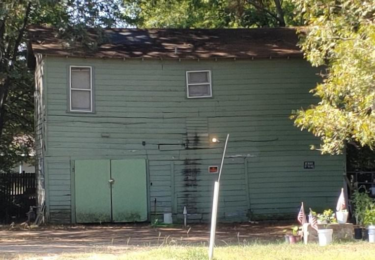 Photo of home for sale at 128 Myrle Ave, Longview TX