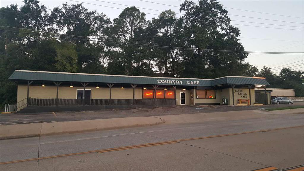 Photo of home for sale at 300 US HWY 271, Gilmer TX
