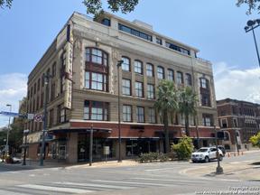 Property for sale at 126 E Main Plz, San Antonio,  Texas 78205