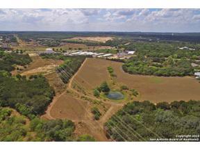 Property for sale at 9378 Schoenthal Rd, Garden Ridge,  Texas 78266