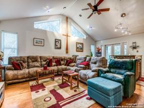 Property for sale at 9611 Azalea Circle, Garden Ridge,  Texas 78266
